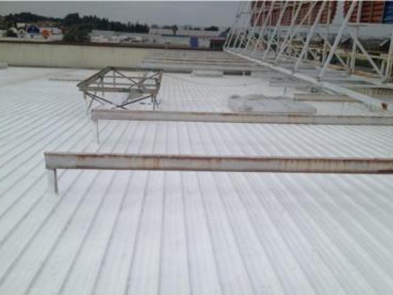 Impermeabilización de la cubierta del hipermercado Eroski C.C. Puerta de Chiclana Cádiz